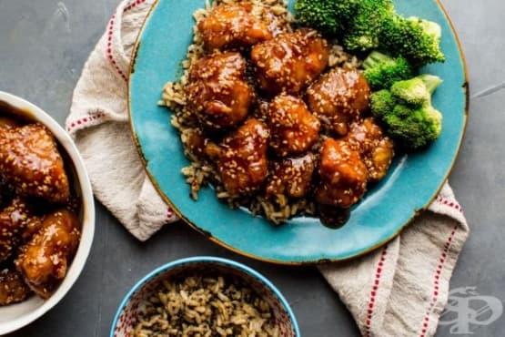 Пилешки хапки с меден сос и сусам - изображение