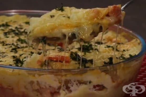 Редена запеканка с картофено пюре и наденица - изображение