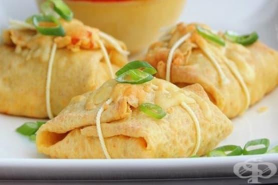 Мексикански палачинки с плънка от пиле и сирене - изображение