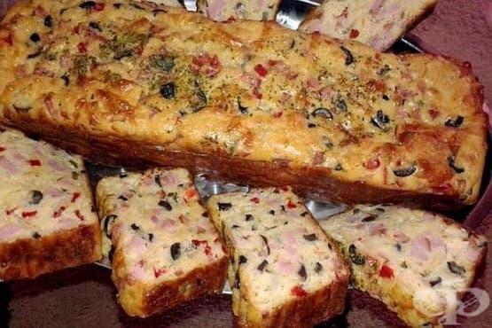 Солен кекс с шунка, маслини, кисели краставички и кашкавал - изображение