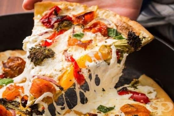 Пица с печени домати, броколи и рикота - изображение