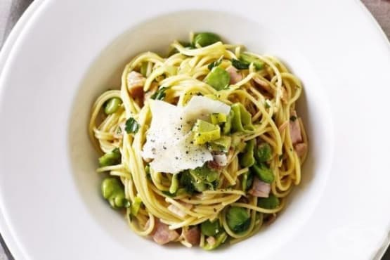 Спагети карбонара с бакла - изображение