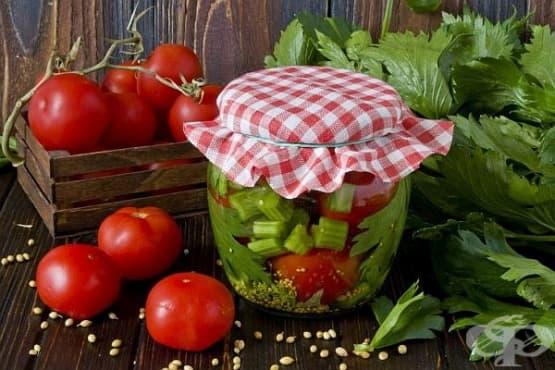 Мариновани домати с целина и горчица - изображение