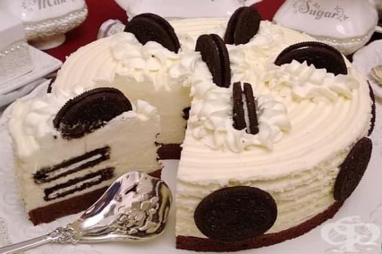 Чийзкейк със сандвич-бисквитки с крем и бял шоколад - изображение
