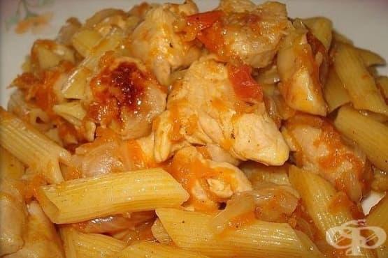 Макарони с пилешко филе и зеленчуци - изображение