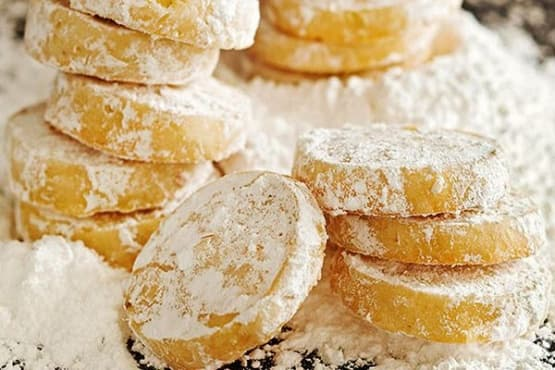 Лимонови бисквити с пудра захар - изображение