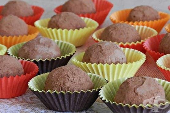 Бонбони от нахут с орехи, мед и канела - изображение