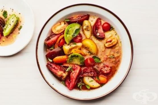 Мариновани многоцветни домати - изображение