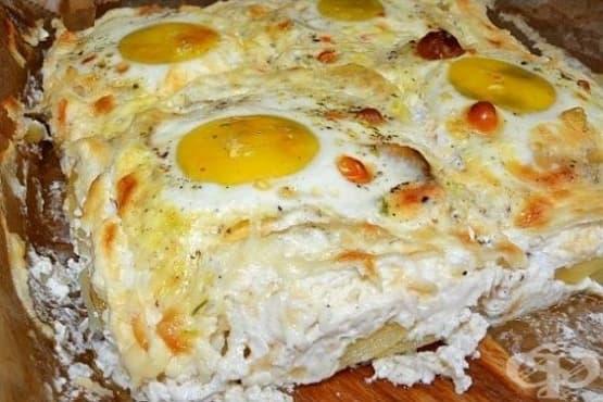 Картофена запеканка с лук, кашкавал и яйца - изображение