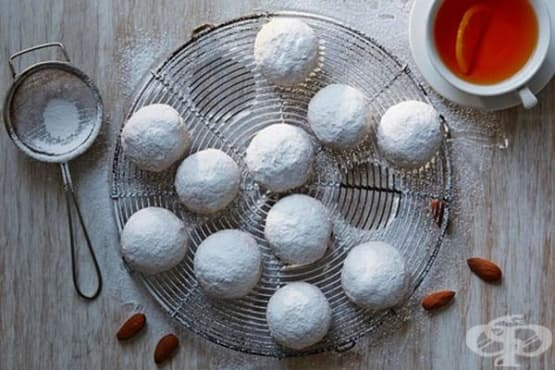 Снежни сладки с бадеми - изображение