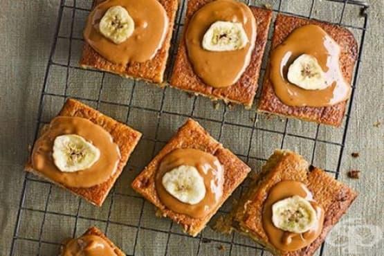 Бананови кексчета с карамелена глазура - изображение