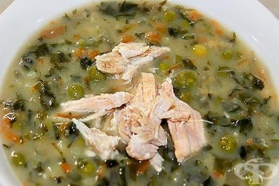 Супа от коприва и картофи с грах и топено сирене - изображение