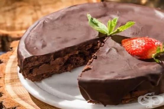 Торта от черен шоколад и яйца - изображение