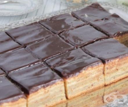 Пастички с бадеми, ром и шоколадова глазура - изображение
