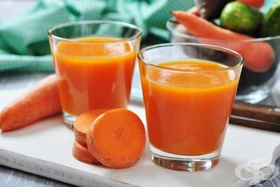 Бананово смути с моркови, овесени ядки и мед - изображение