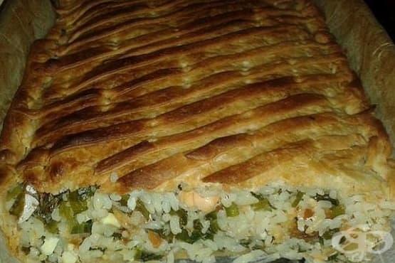 Бутер баница със сьомга, ориз и зелен лук - изображение