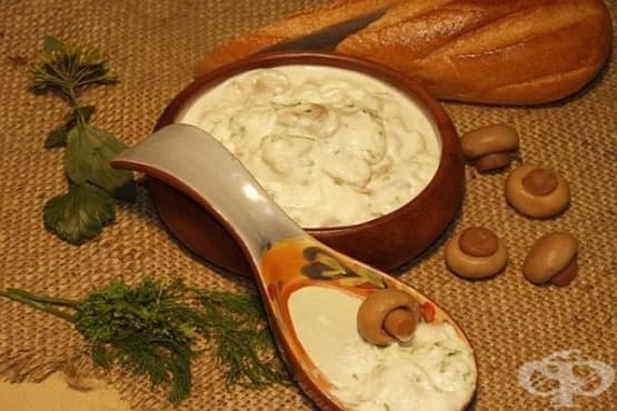 Бял сос с рибен бульон и гъби - изображение