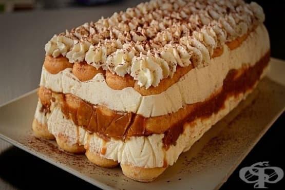 Сиропирана бишкотена торта с карамелизирани орехи и млечен крем - изображение