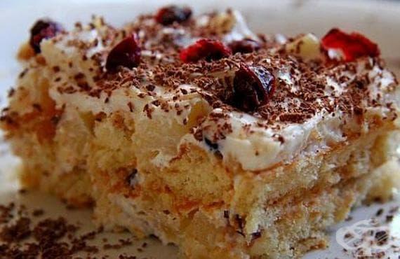 Бисквитена торта със сметанов крем и ананас - изображение