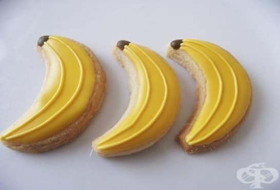 Бисквитени банани с пълнеж - изображение