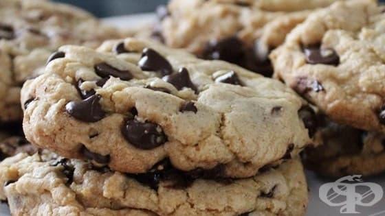 Бисквити с шоколадови парченца - изображение