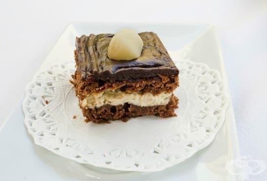 Сладкиш с крема сирене, макадамия и какаов крем - изображение