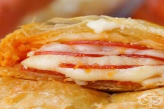 Бутер пица джоб с пеперони и моцарела - изображение