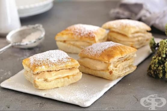 Бутерки с яйчен крем и пудра захар - изображение