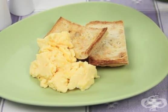 Как да приготвите перфектните бъркани яйца - изображение