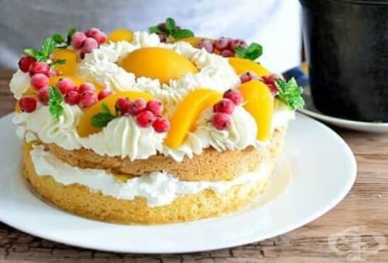 Бърза торта с маслен крем и праскови от компот - изображение