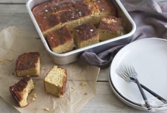 Царевичен солен кекс с розмарин - изображение
