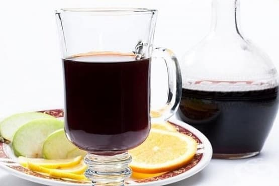 Чаен пунш с ром и ликьор - изображение