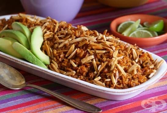 Червен ориз с люти чушки и ядки - изображение