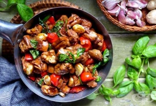 Чеснови пилешки хапки с ядки и соев сос - изображение