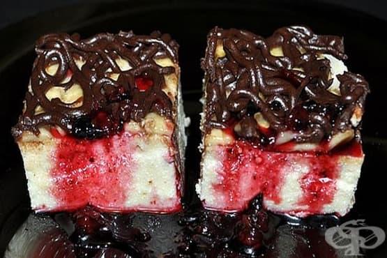 Десерт от извара с банани и шоколадово покритие - изображение