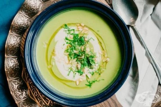 Диетична крем супа от броколи - изображение