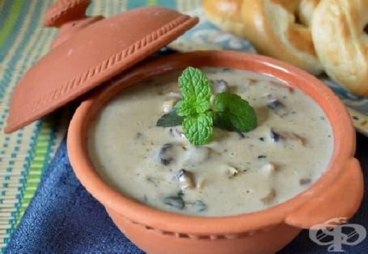 Домашен сос от гъби с прясно мляко и масло - изображение