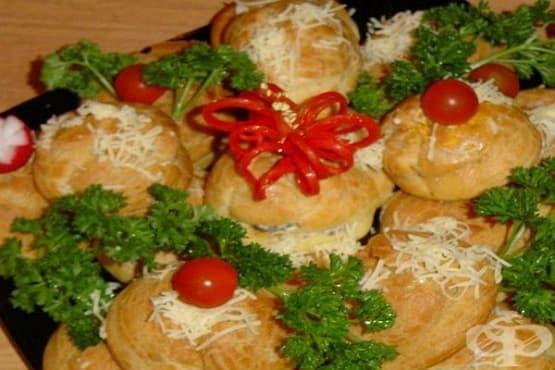 Солени еклери с плънка от гъби и топено сирене - изображение