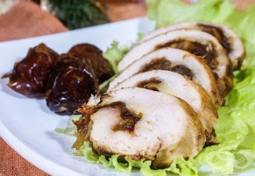 Пилешки гърди с фурми - изображение