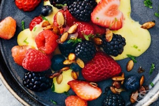 Горски плодове с пяна от текила и лайм - изображение