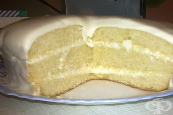 Грис-сладкиш със сметанов крем - изображение