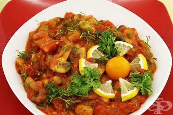 Гъбен миш-маш с домати и лук - изображение