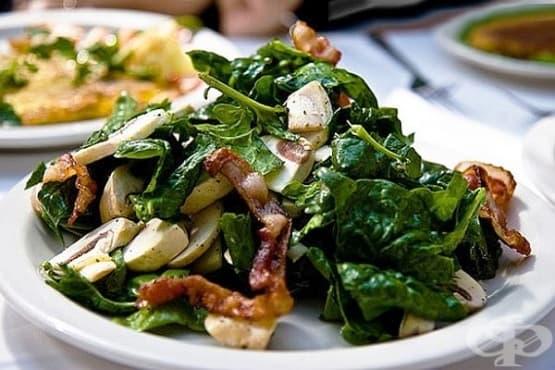 Гъбена салата със спанак и прошуто - изображение