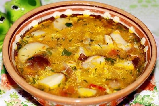 Гъбена супа с пилешко, ориз и застройка - изображение