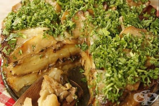 Гъбена торта с картофи и лук - изображение