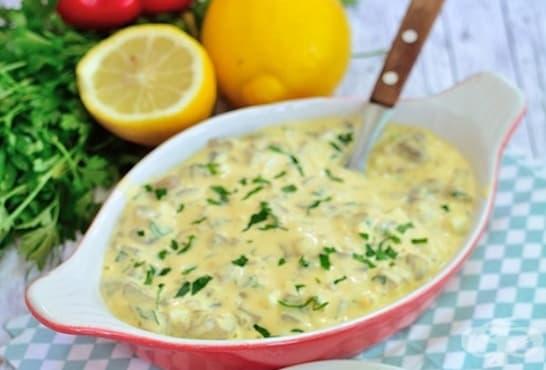 Гъбена салата с майонеза, картофи, чесън и подправки - изображение