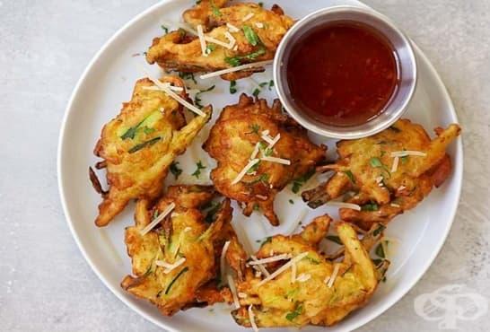Хапки от тиквички с картофи и чесън - изображение