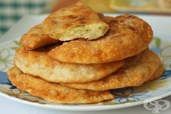 Пържени хлебчета с пълнеж от картофи и кашкавал с копър - изображение
