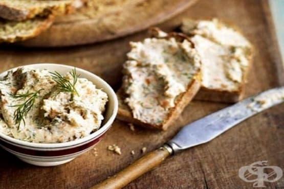 Брускети с пастет от сьомга и крема сирене - изображение