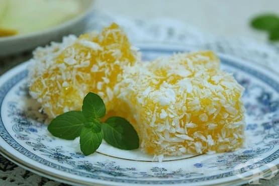 Леден десерт от желиран пъпеш с кокосови стърготини - изображение